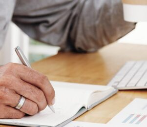 3 tips to improve your B2B debt collection performance